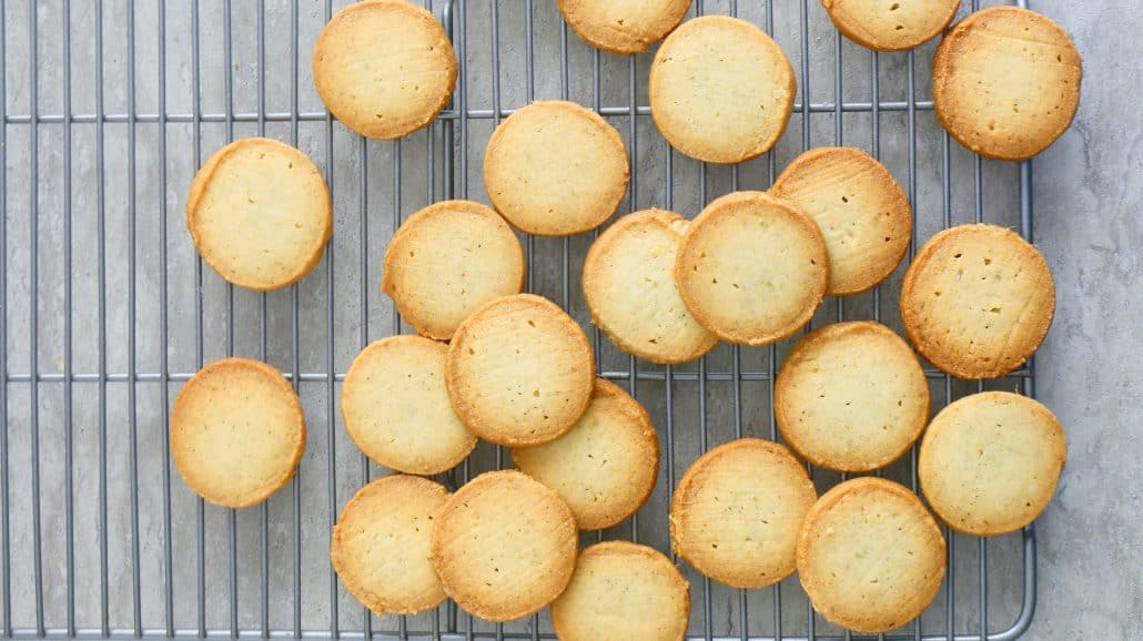Melt In Your Mouth Cardamom Shortbread Cookies Kitchen Hoskins