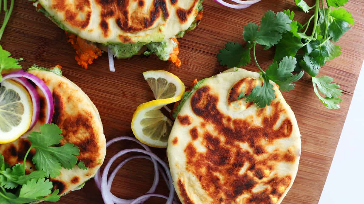 The Best Tandoori Chicken Naanwich