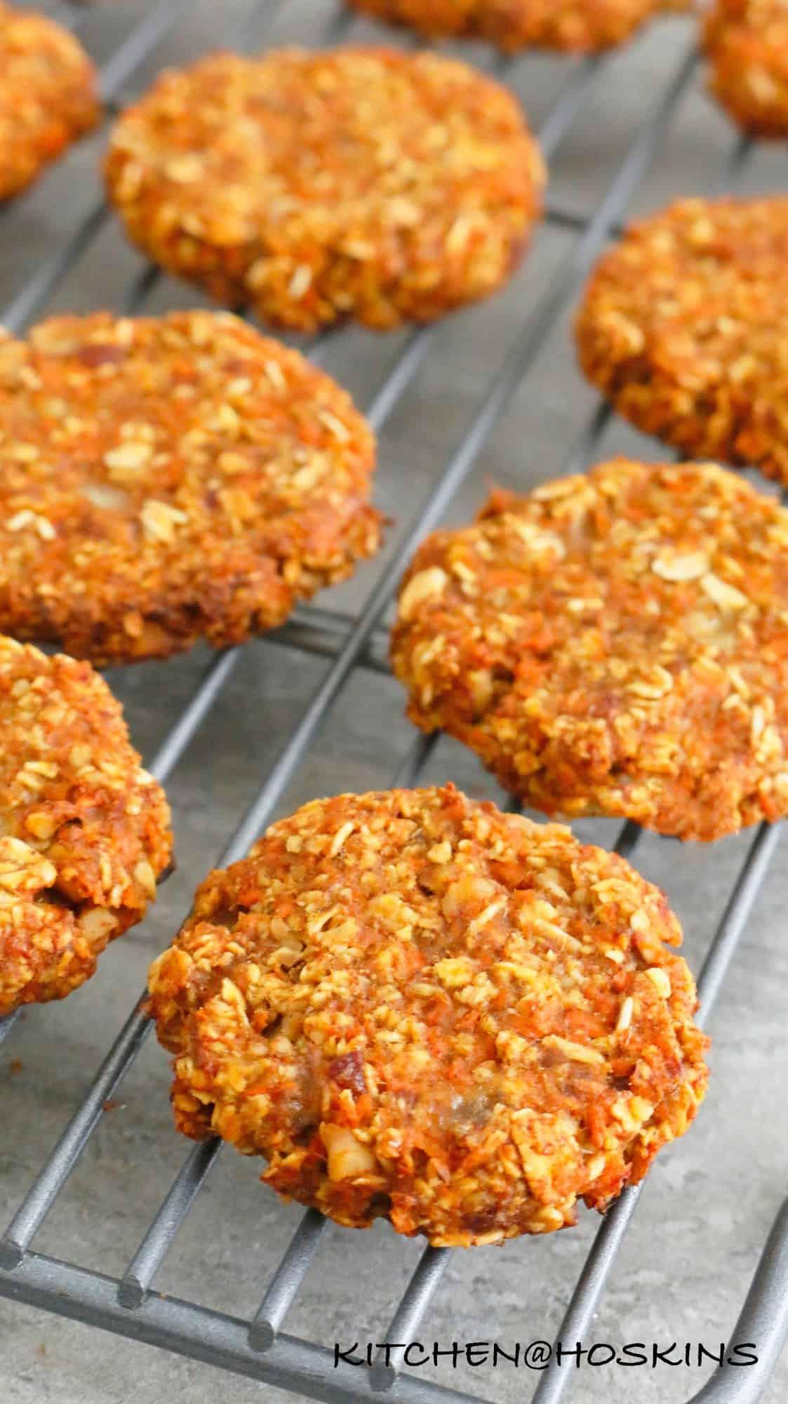 healthy carrot oatmeal cookies