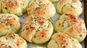 tasty-garlic-knots