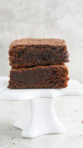 2 slices of flourless nutella brownies