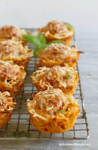 baked spaghetti and meatball cups