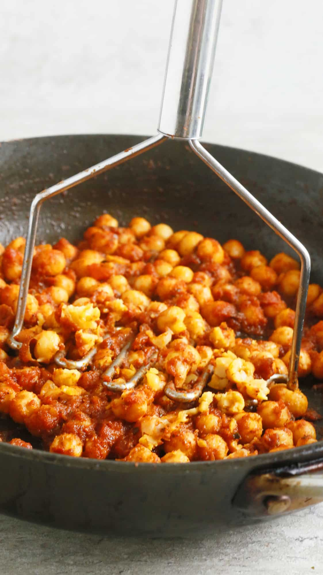 6-MINUTES 4-INGREDIENT SALSA CHICKPEAS