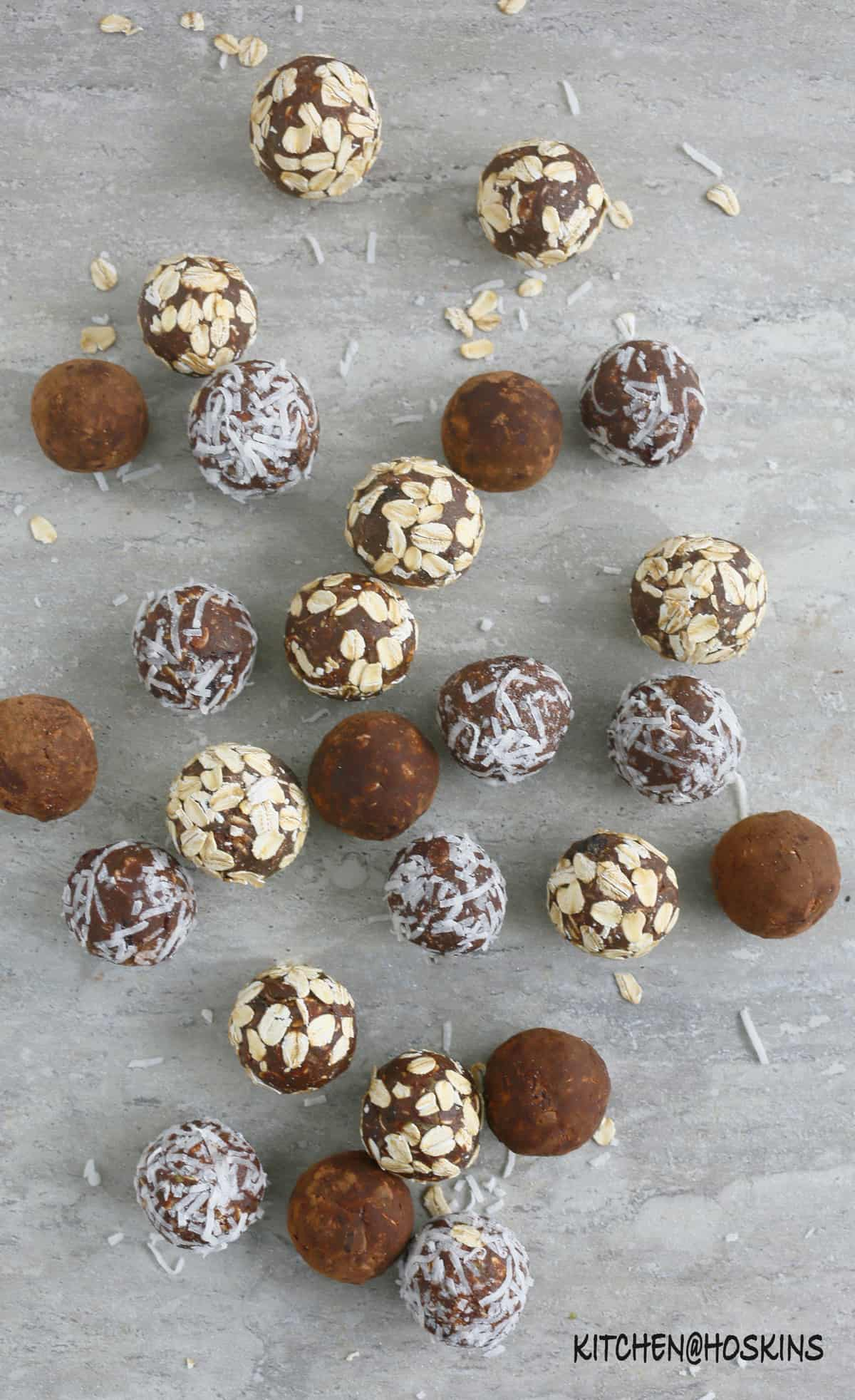 no bake chocolate avocado oatmeal balls