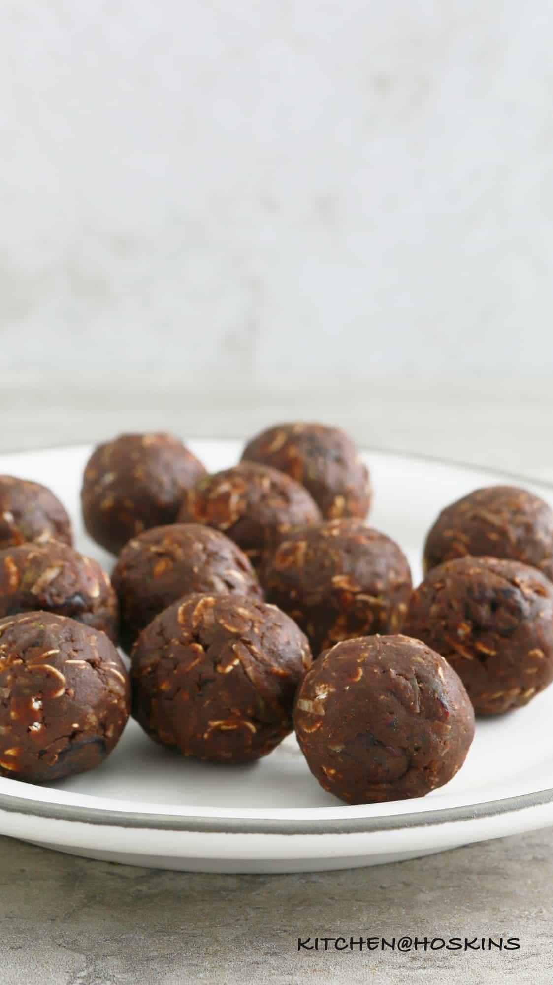no bake chocolate avocado oatmeal balls
