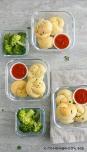 SOFT GARLIC KNOTS WITH HOMEMADE PIZZA DOUGH