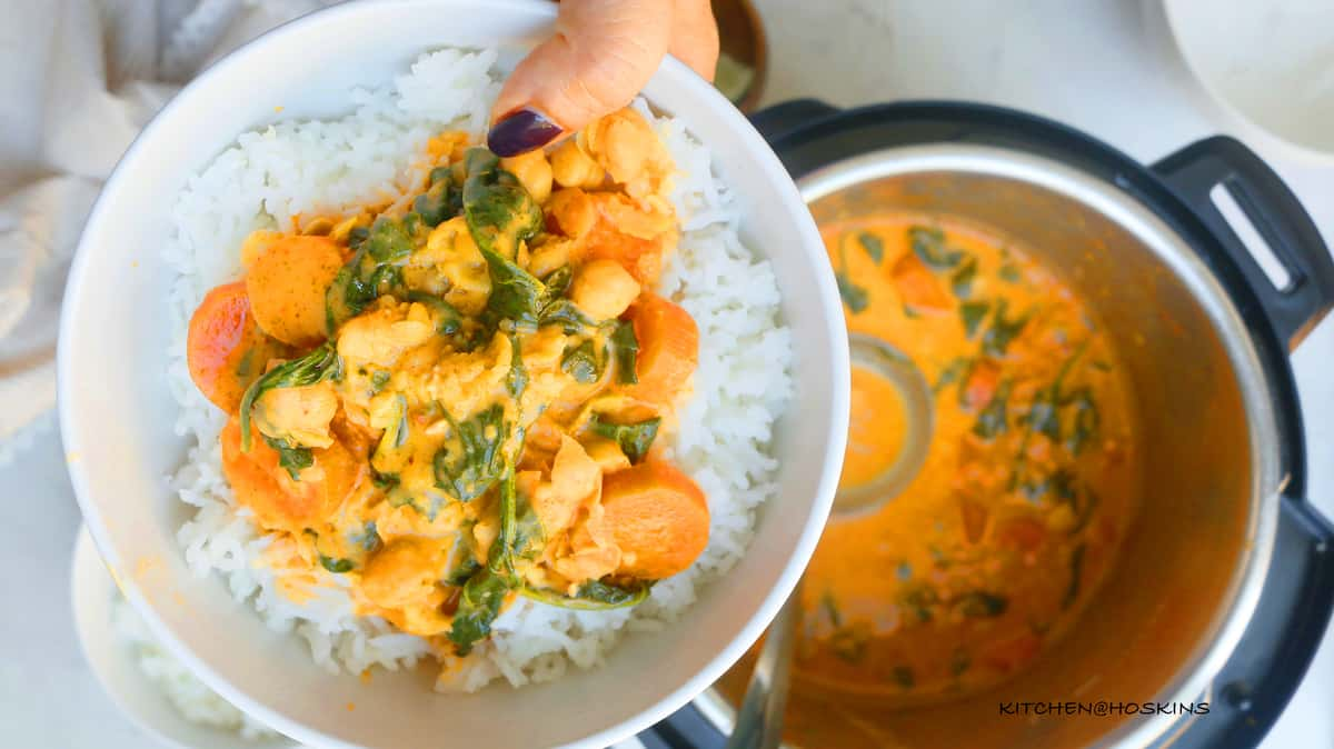 instant pot thai chickpea and spinach curry