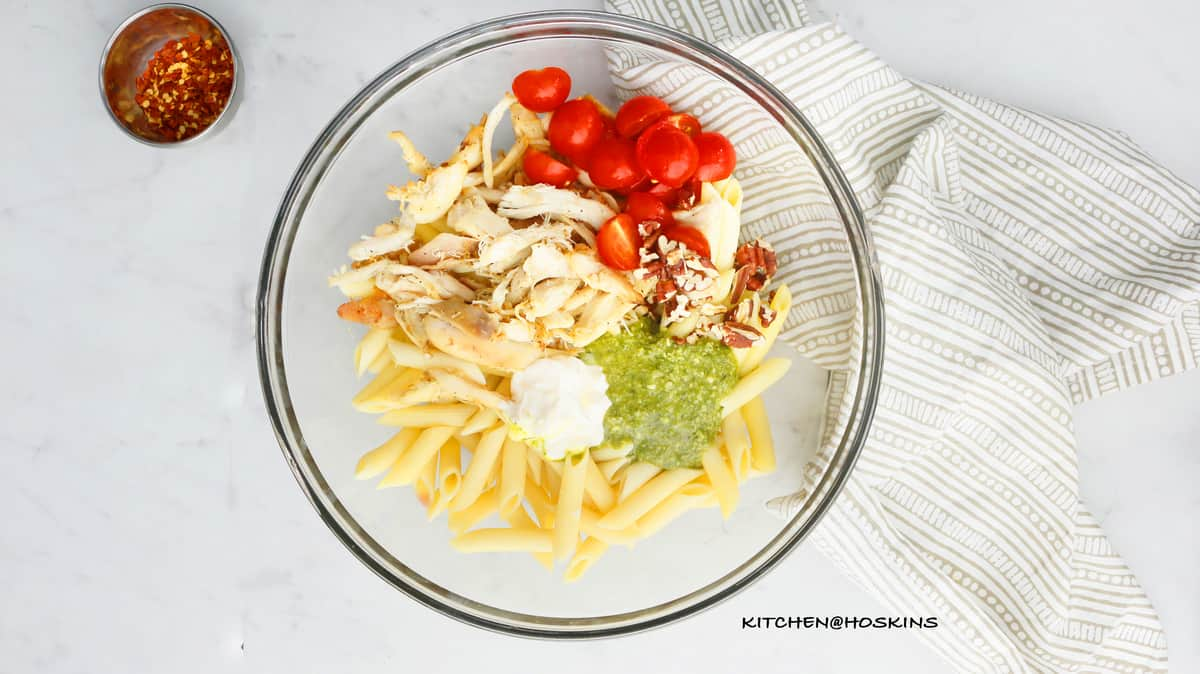 CREAMY CHICKEN PESTO PASTA SALAD