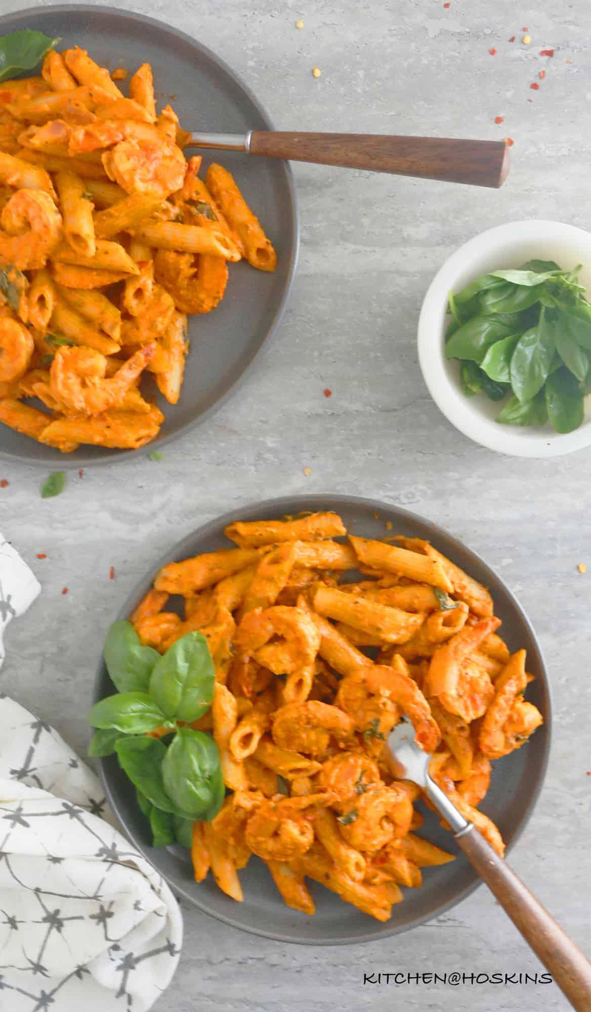 instant pot shrimp pasta with tomato cream sauce