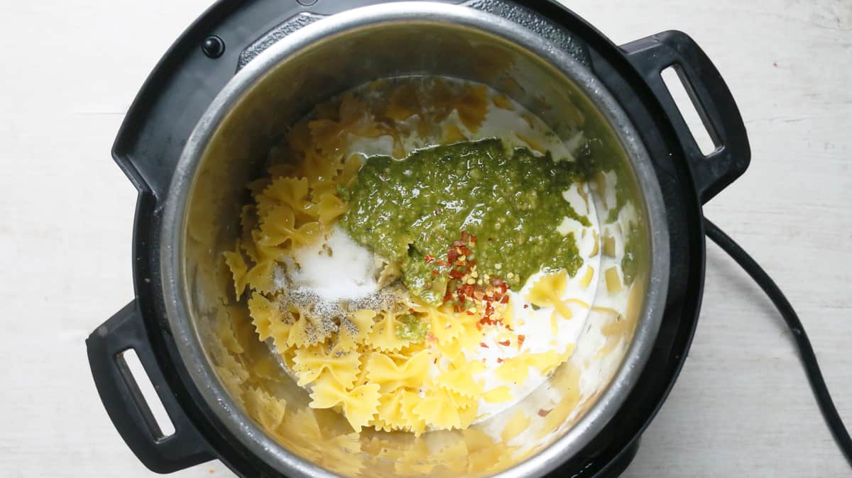PASTA, PESTO, CREAM, STOCK IN INSTANT POT