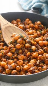 spicy Mexican chickpeas cooked in a skillet