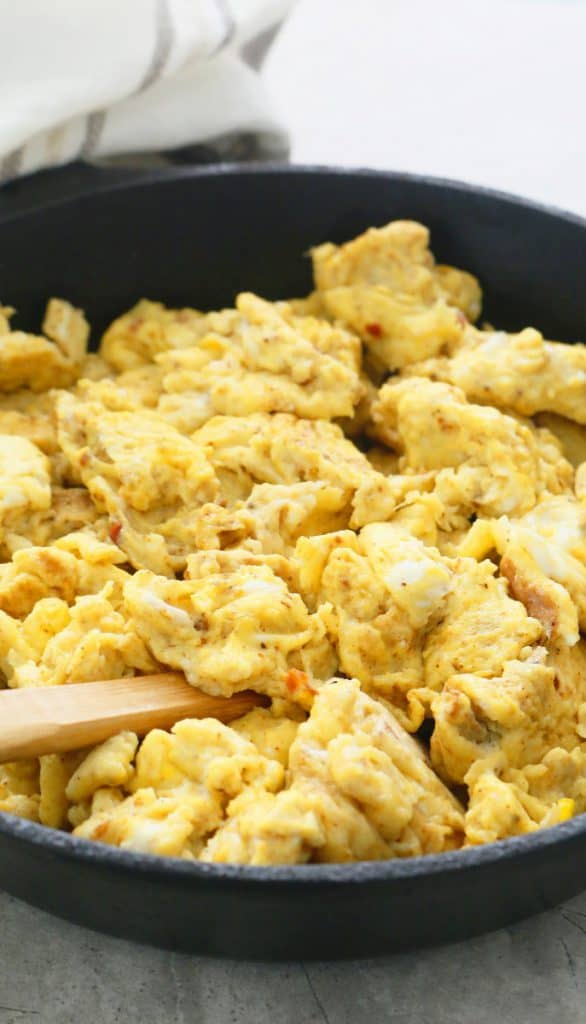 spicy scrambled eggs with taco seasoning