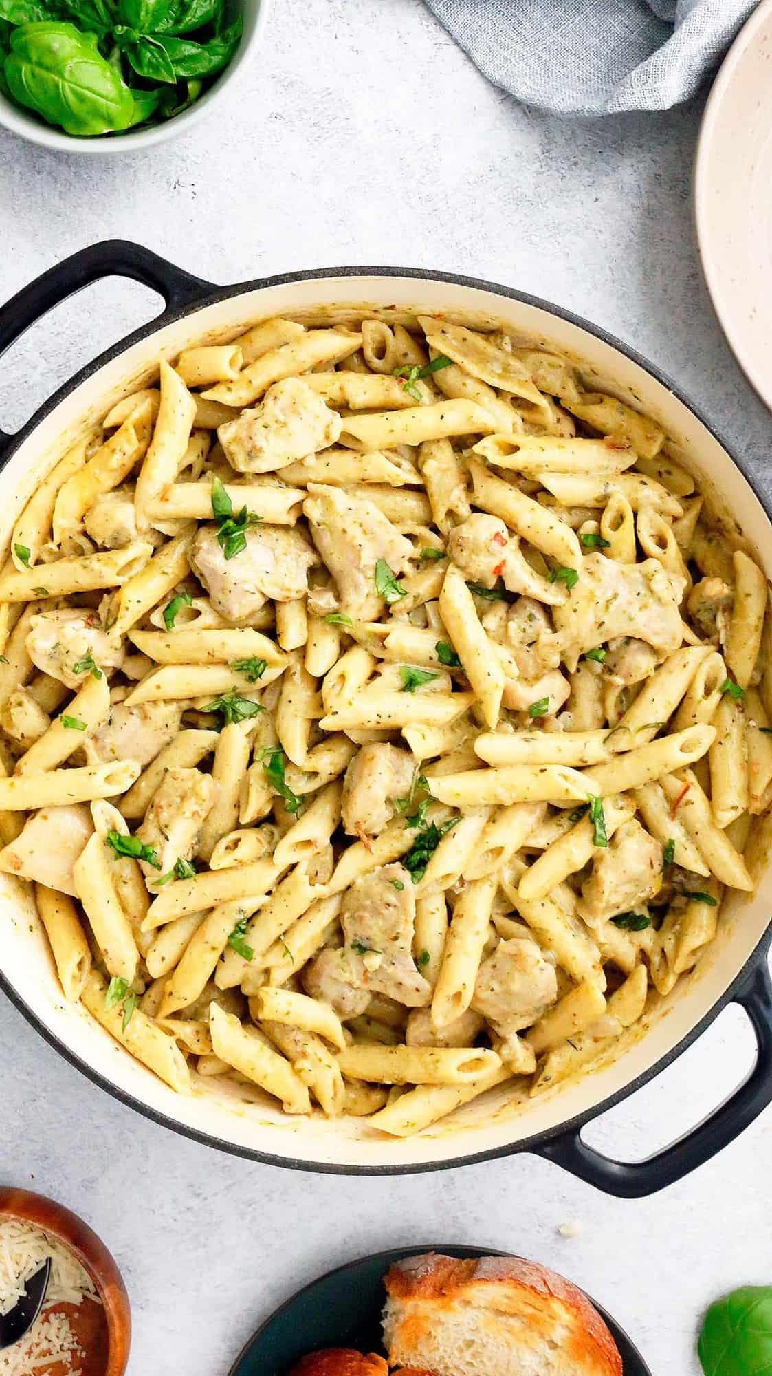 large pan with chicken pesto pasta