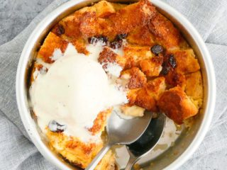 air fryer bread pudding topped with ice cream
